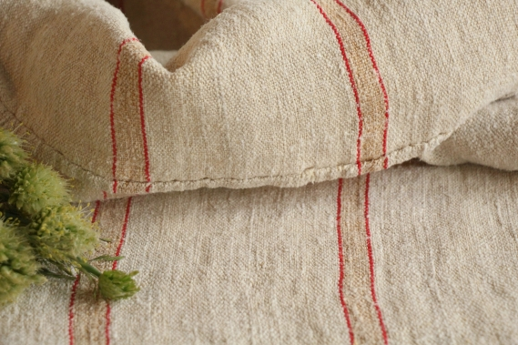 antique charming linen grain sack cherry red faded gold IX 101
