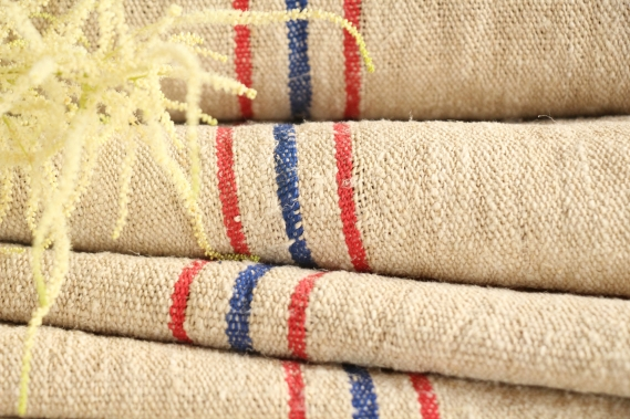 antique european linen roll cornflower blue and tomato red stripes 2.29y TW 671