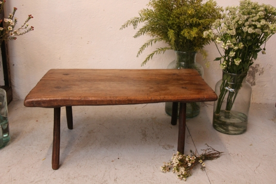 hand-carved antique wooden table D 943