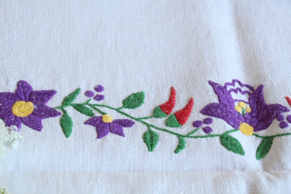 antique charming linen TOWEL handstitched embroidery florarl folklore D 792