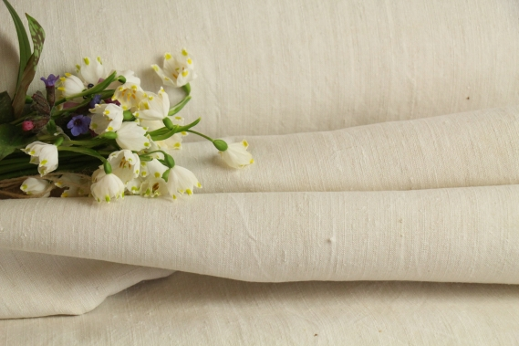 TW 520 antique plain cotton linen roll offwhite washed