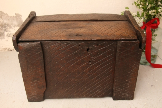 D 750 handmade antique wooden chest wabi-sabi