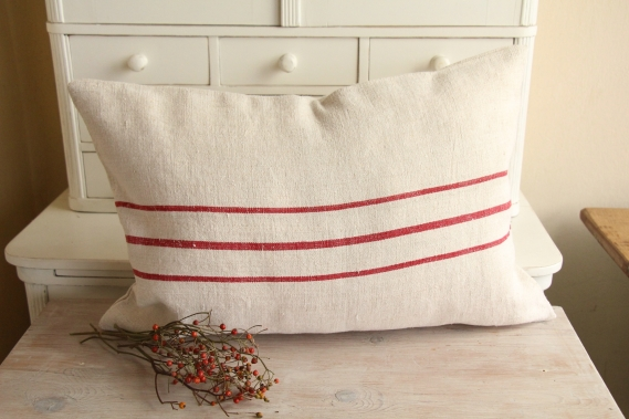 ready made linen pillow christmas gift D 909