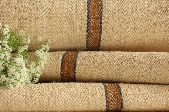 reserved f. J. T 594 antique linen roll caramel blue stripe 2.46y